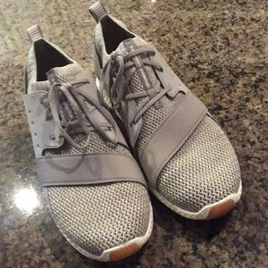 BN gray under armour sneakers size 8 1/2 women's